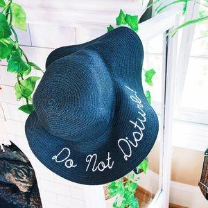 Accessories - Floppy Circle Hat Do Not Disturb // Black Woven